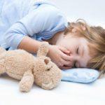 Как правильно укладывать спать ребенка